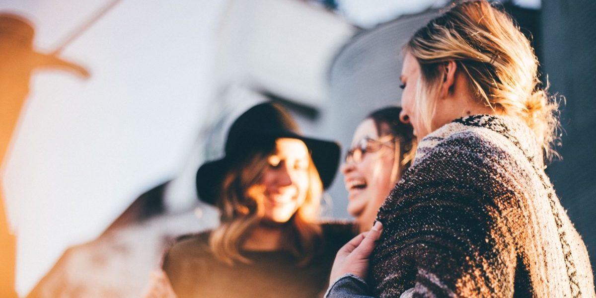 Beliebter werden: 21 Tricks für mehr Sympathie