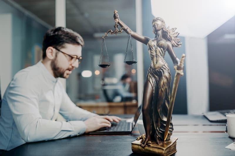 Ein Staatsanwalt beim Bereitschaftsdienst