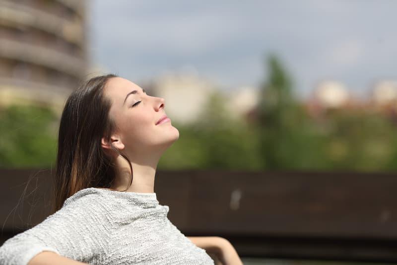 Achtsam sein und sich auf den Moment konzentrieren